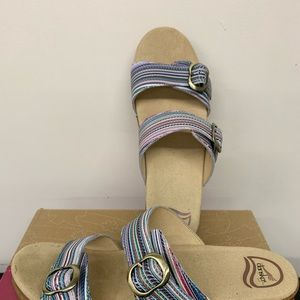 New In Box. Dansko Sandals Sz 40 /10